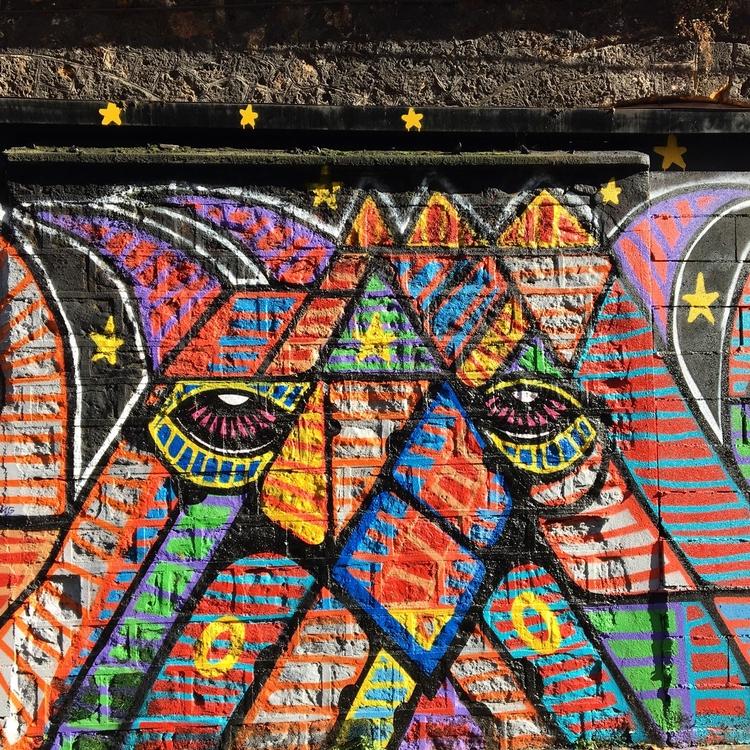 Colors - streetart, streetart, dacruz - philippefabry | ello