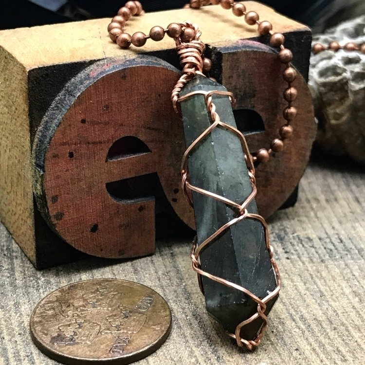 Wire wrapped, double terminated - twistedleafstudio | ello