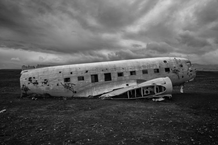 Sólheimasandur 1973 DC3 crashed - benroffelsen | ello