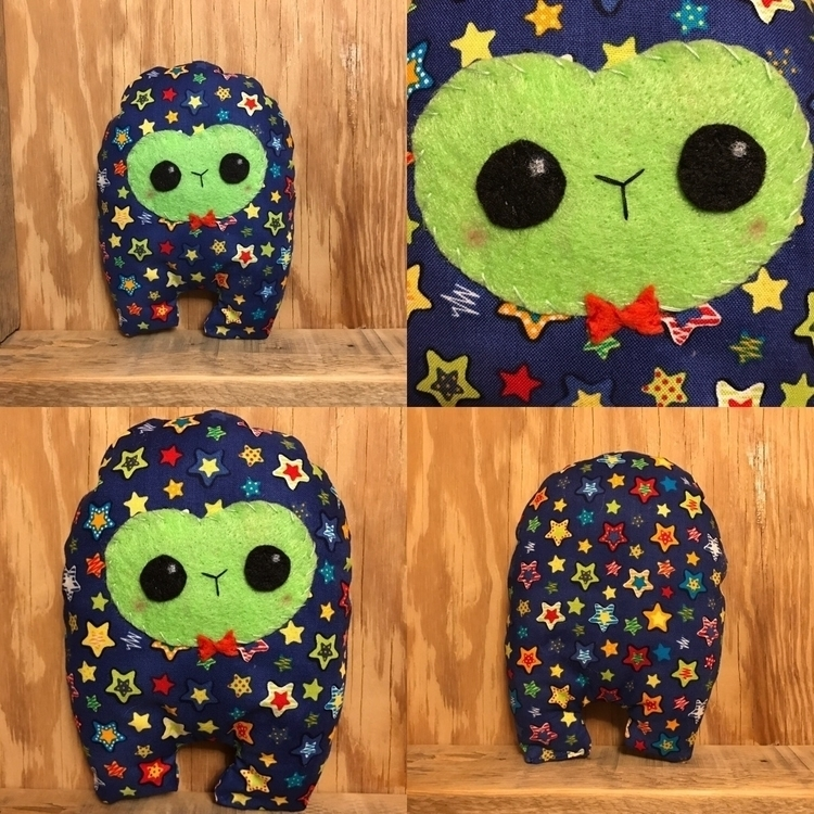 Colorful Star Huggle shop  - handmade - tykesanimalkingdom | ello