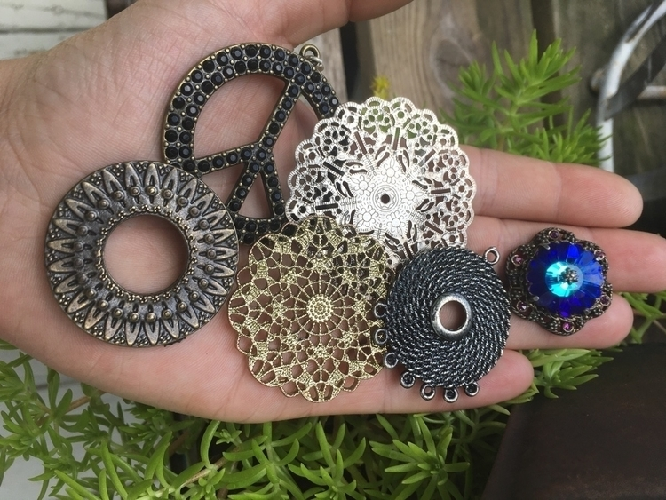 mom dig boxes goodies findings  - gypsyxjewels | ello