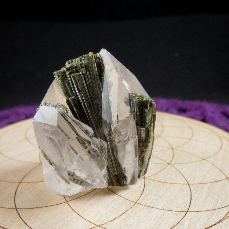 nicest Brazilian epidote quartz - rocksandchainz | ello