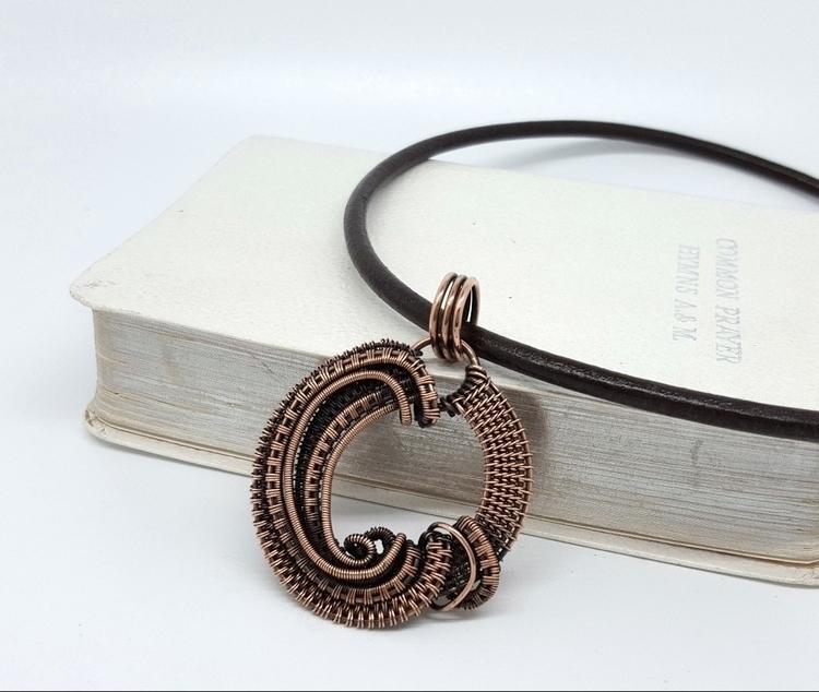 simple copper pendant Nicole Ha - jakdawgems | ello