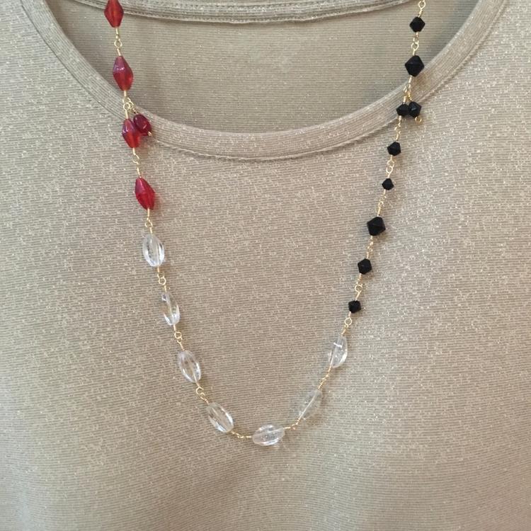 Red Black Necklace. Handmade sl - saragracedesigner   ello
