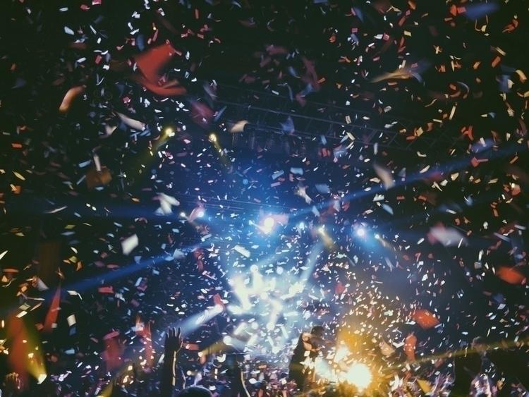 photography, confetti, concert - hayleyscomet | ello
