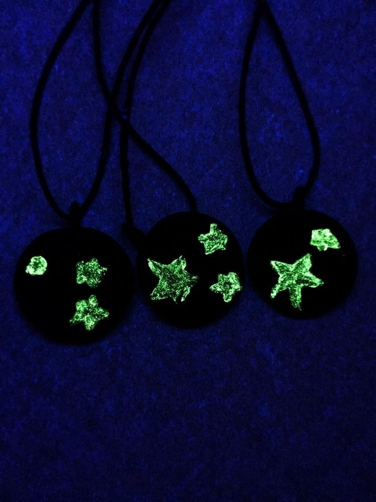 Click - glowingthedark, sharetheblack - vmaxx13 | ello