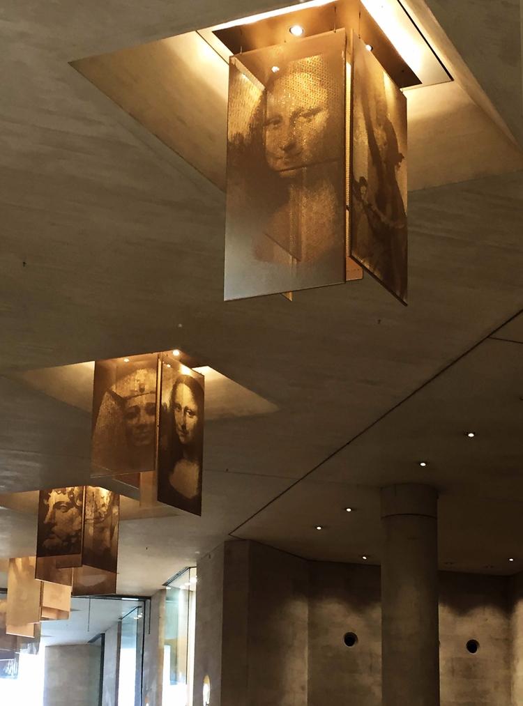 Musée du Louvre entrance - Jaconda - sacrecour | ello