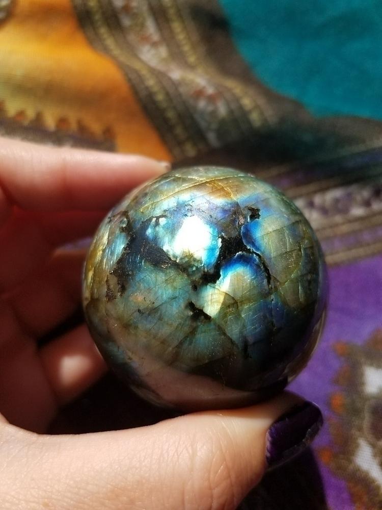 *SOLD* lovely labradorite spher - medusasmuses | ello