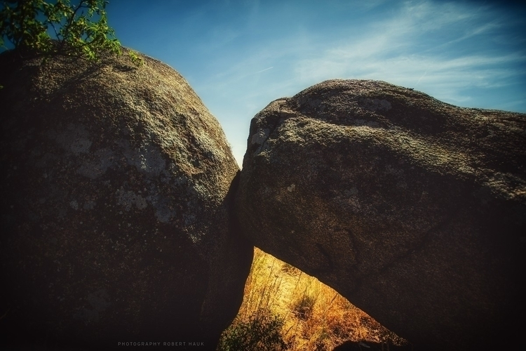 rare sight stones kissing - roberthauk | ello