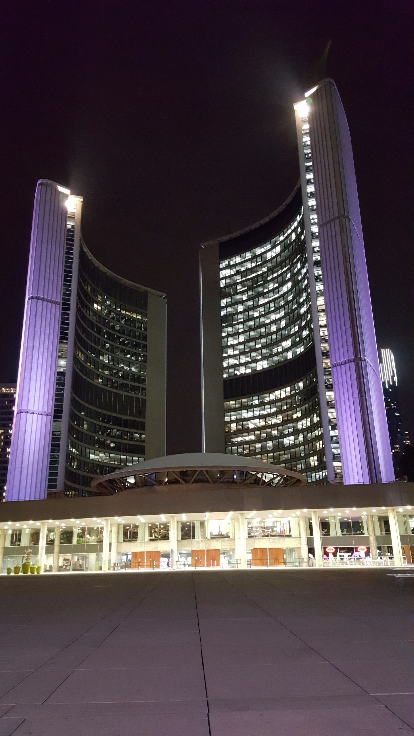 Toronto City Hall 100 Queen St  - koutayba | ello