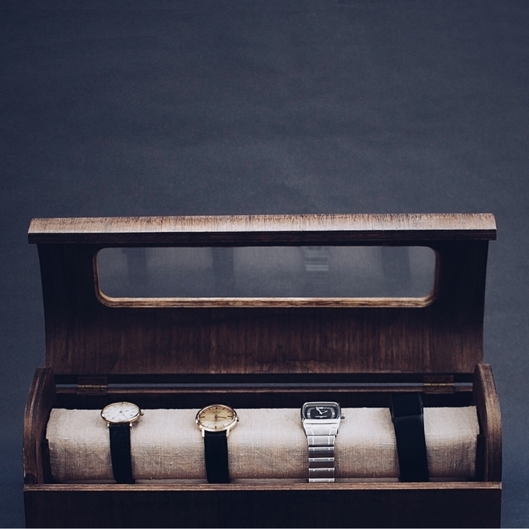 Watchbox. Design crafted collab - oitenta | ello