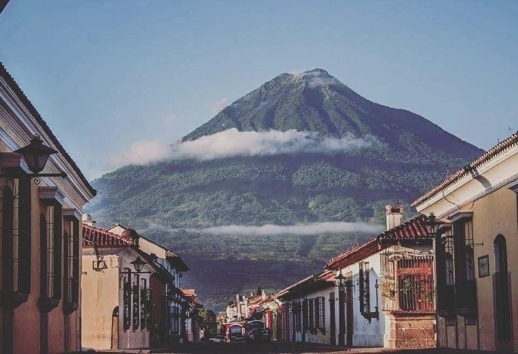 art die reality - Guatemala, Antigua - i_valdez | ello