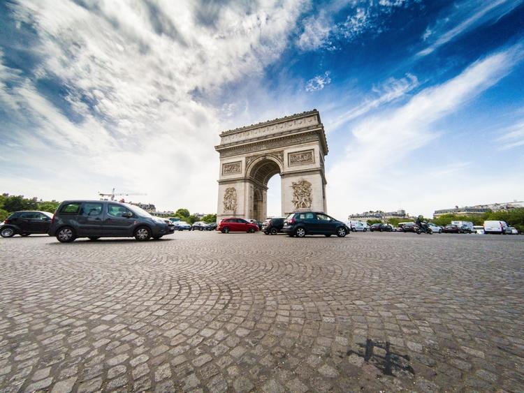 Arc de Triomphe Paris, shot GoP - robdewinter | ello