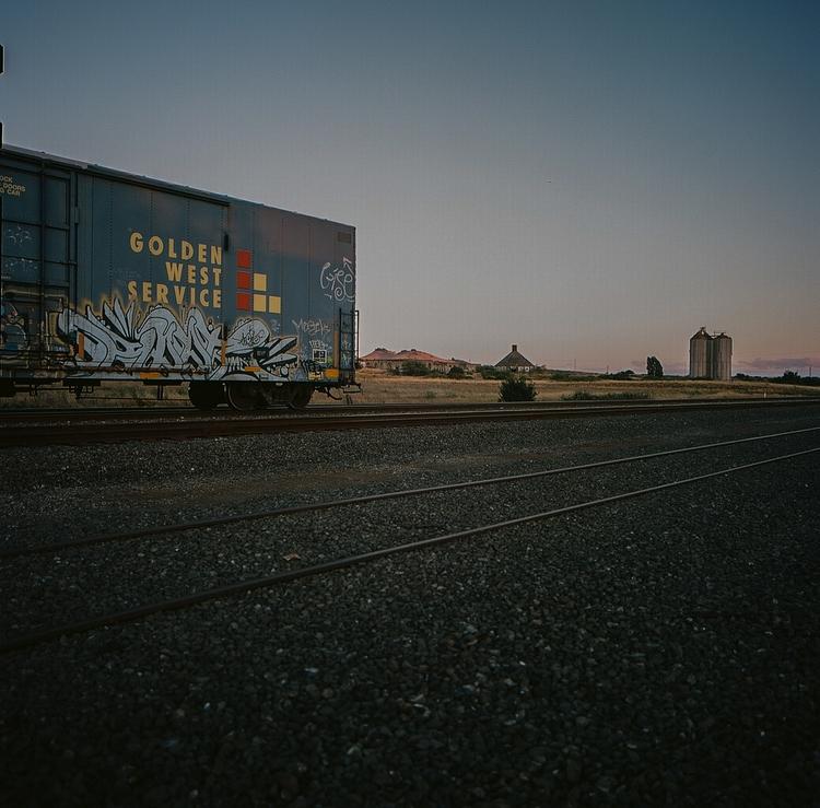 Golden West Service - rails, trains - teetonka   ello