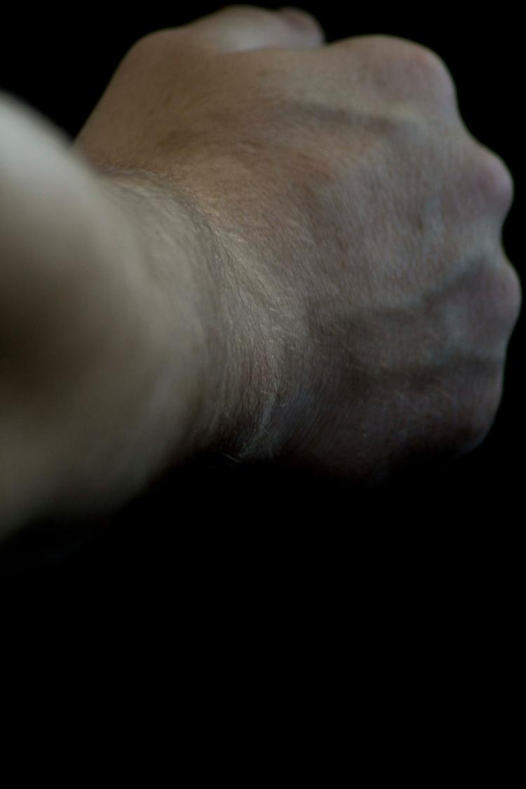 hand, dark, grip, arm, italy - reiberdatschi | ello
