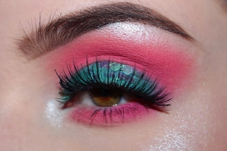 Mermaid Eyes Urban Decay Basqui - briannacrow | ello