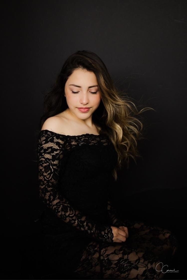 Camila - portrait, familyportrait - coracoronel | ello
