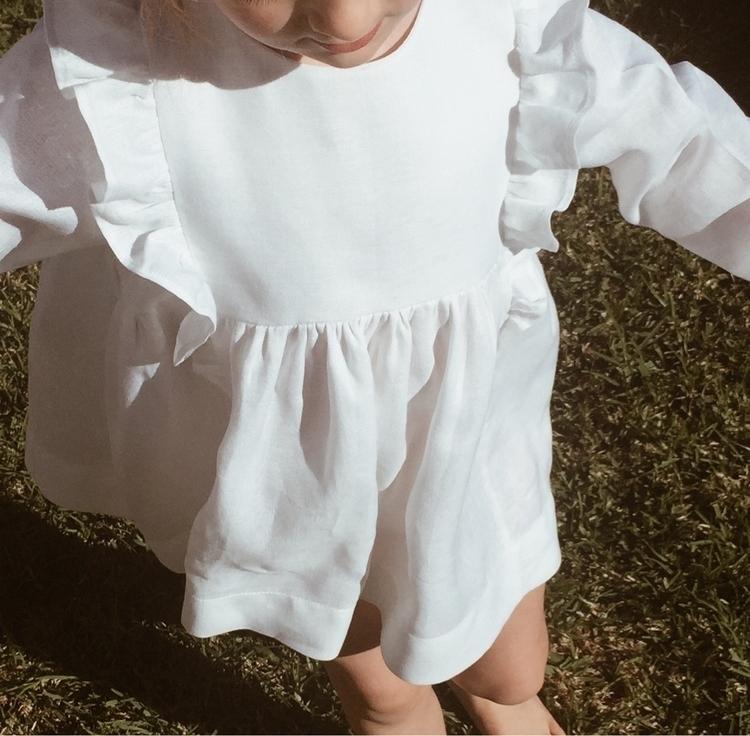linen ruffle dress, perfect pie - thedeerandthedaisy | ello