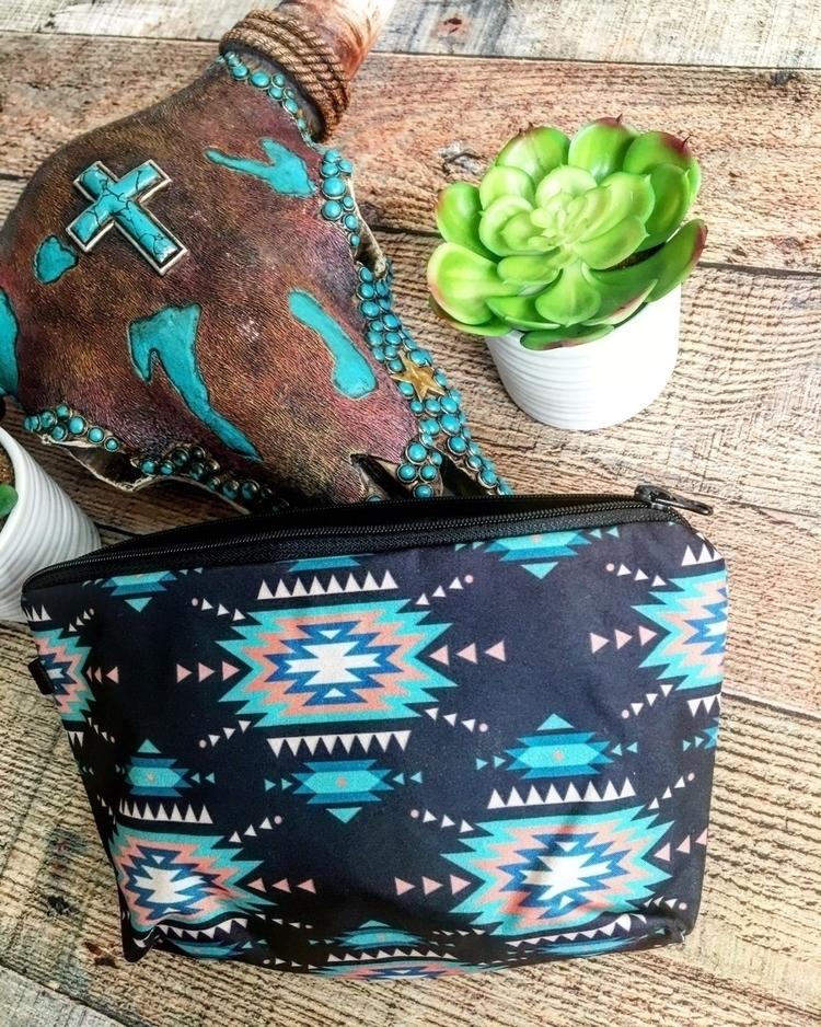 Aztec bag! $10. left! :cactus - redneckheavenboutique | ello
