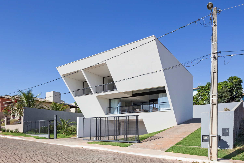 Aresta House / BLOCO Arquitetos - red_wolf | ello