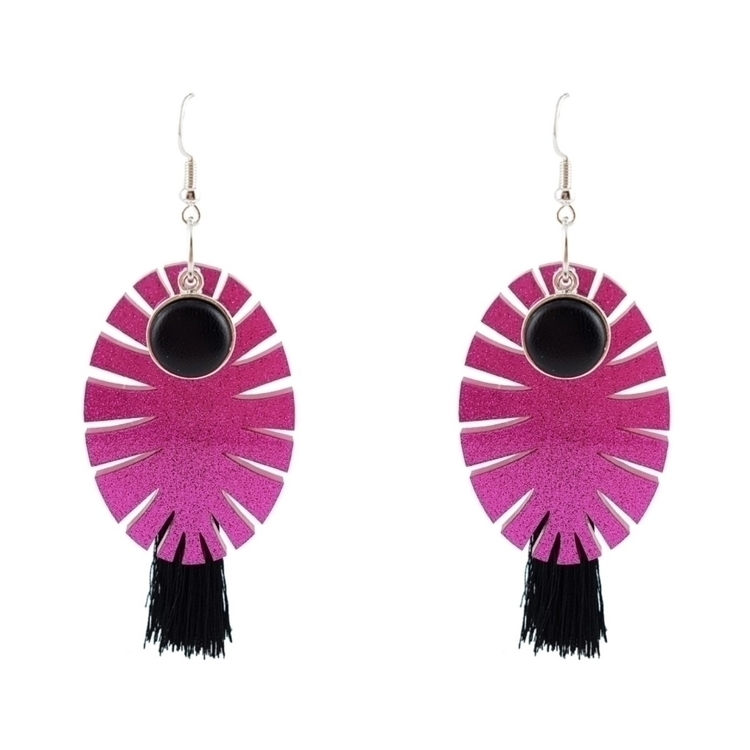 Statement earrings. Umm...LOVE - lionaleedesigns | ello