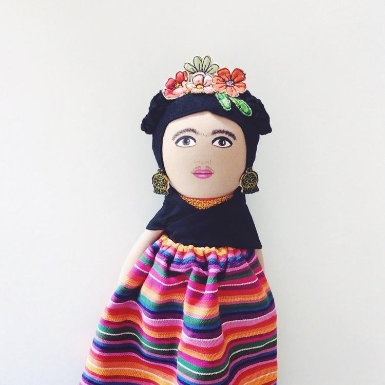 Frida - fridakahlo, custommadedoll - alittlevintagedoll | ello