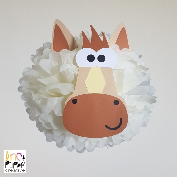 Horse paper pompom - Farm party - incandpapercreative | ello