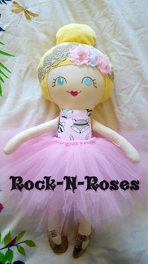 Beautiful Dolly home - rocknrosesdolls | ello