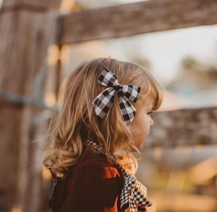 weekend Harry wears Plaid bow p - dotty_dandelion | ello