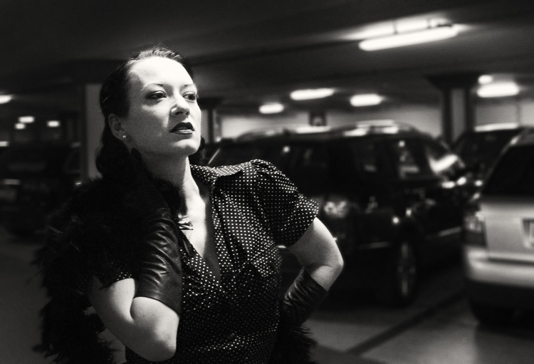 Waiting fashion - photography, blackandwhite - remo69 | ello