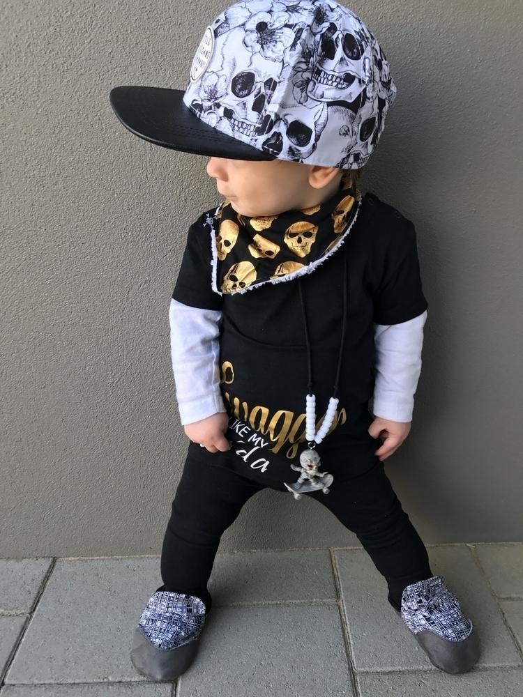 rad outfit! skull bib - calliplus3 | ello