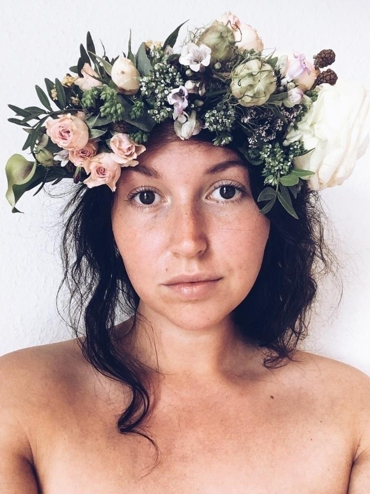 Flower power - emmakatrine | ello
