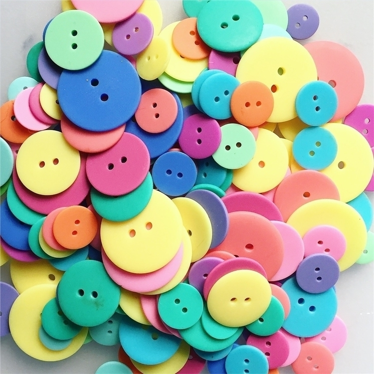 sorting buttons :relaxed:️ - buttonlovers - yanadesigns | ello