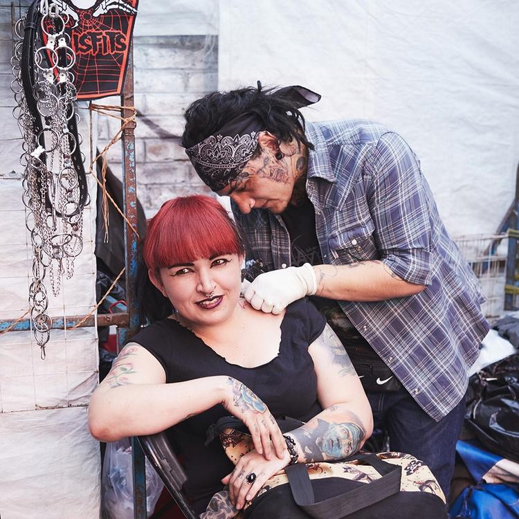 woman neck tattooed El Chopo, a - katielovecraft | ello
