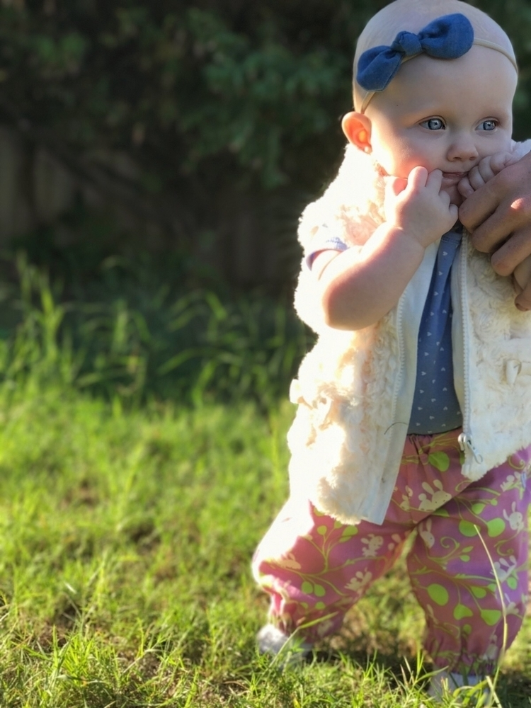 princess holding daddy tiny ste - all_about_anastasia | ello