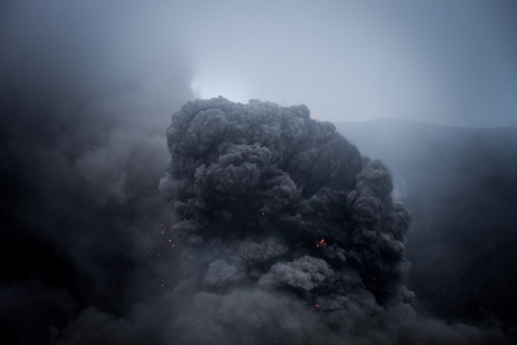 center earth ashes - vanuatu, lava - vdlqueiroz | ello