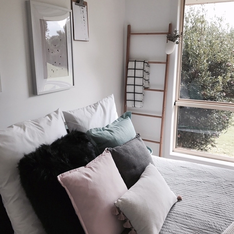 Ahhhh bed, glorious bed  - homestyling - chiclittleabode | ello