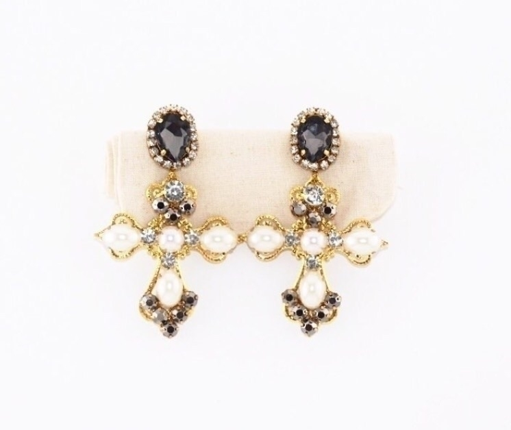 Fashion Pick, baroque cross ear - uppermoda | ello