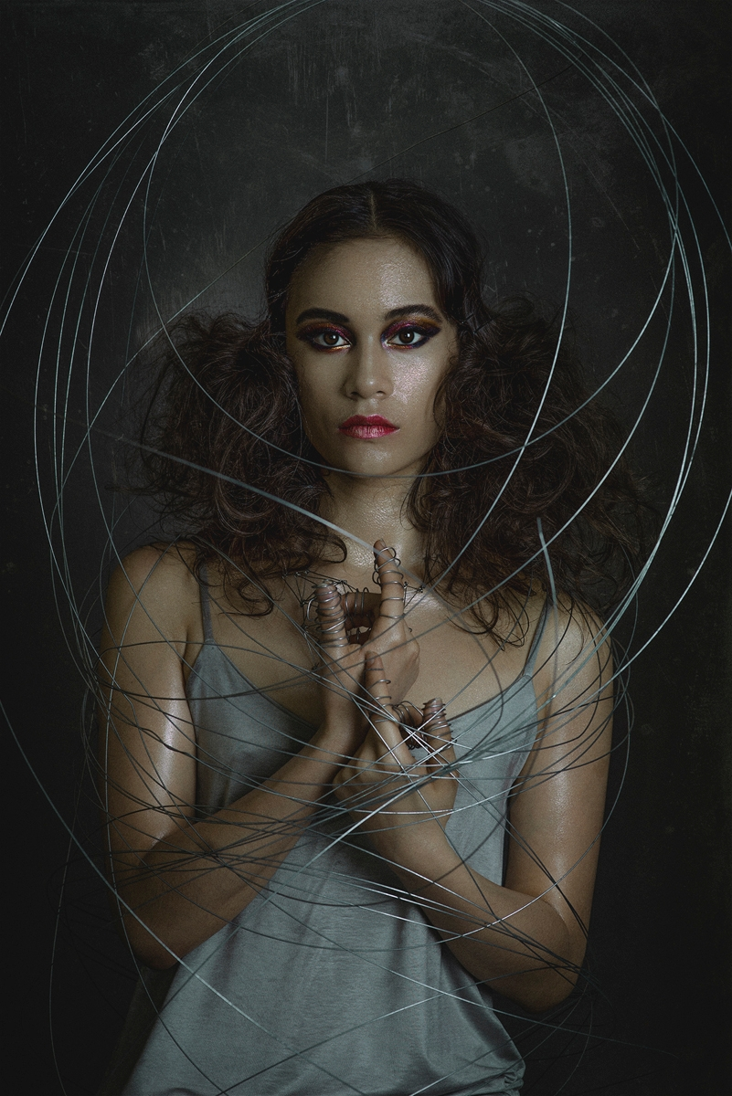 Photographer: Karolina Orzechow - darkbeautymag | ello