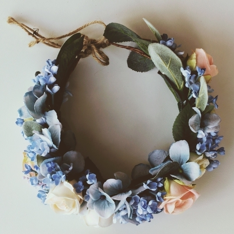 beautiful full flower crown, pr - pretty_little_pickings | ello