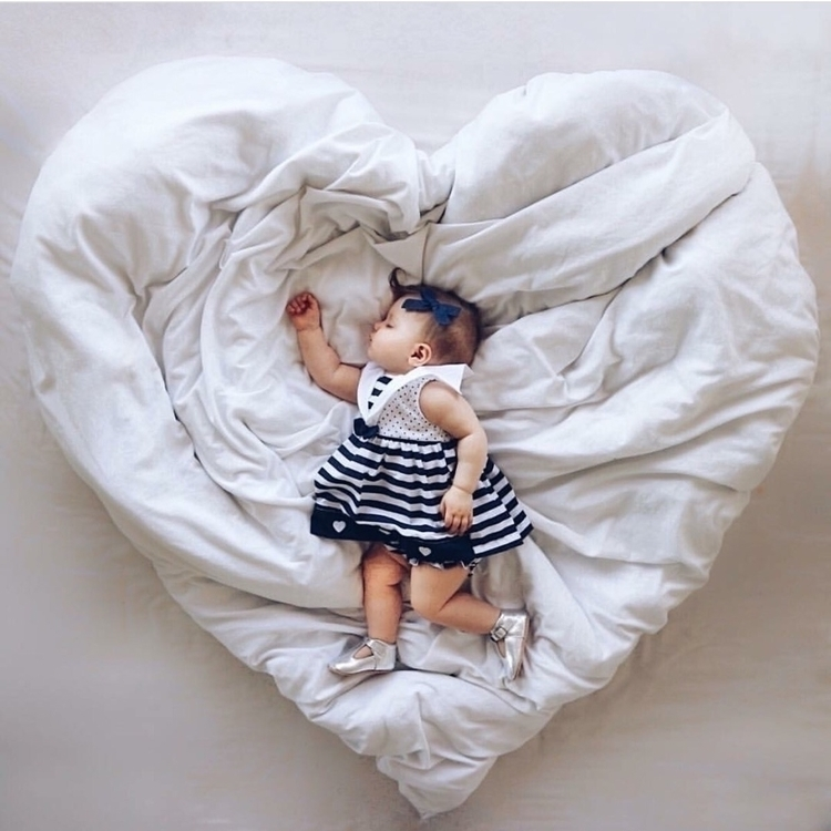 Happy Sunday hope snuggled bed  - babybowclub | ello