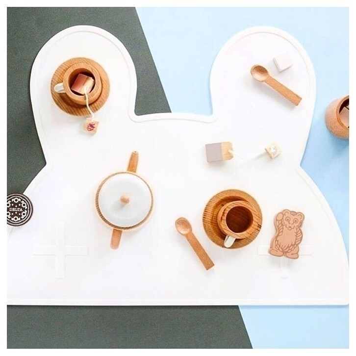 simple beautiful tea set iconic - minimacko | ello