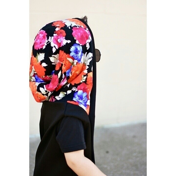 rad floral hoodie  - laughswithlincoln | ello