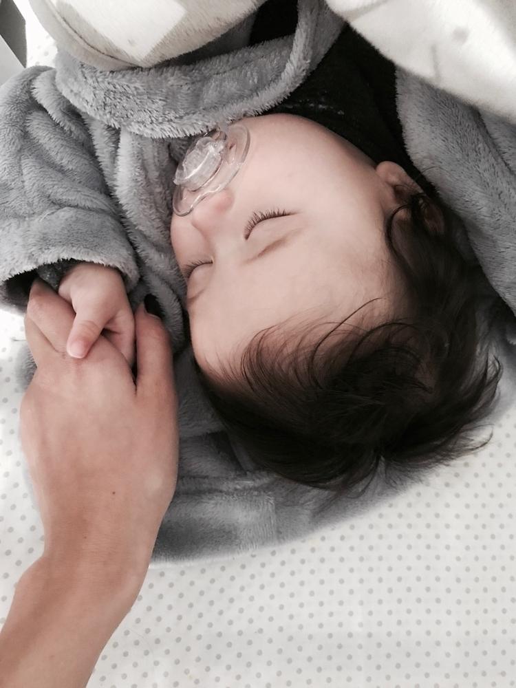 littlest love - mumswithhustle, mumlife - bymay | ello