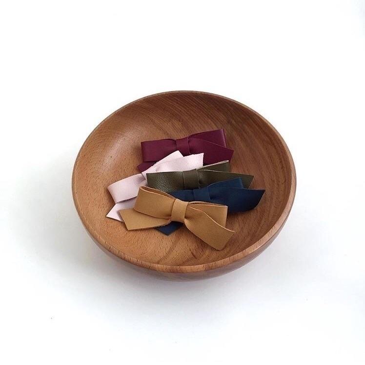 Skye bow | seller month - mischaastoria - mischaastoria | ello