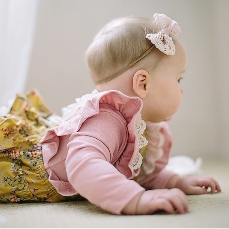 bubba wearing Light pink Betty  - fleurfolly | ello