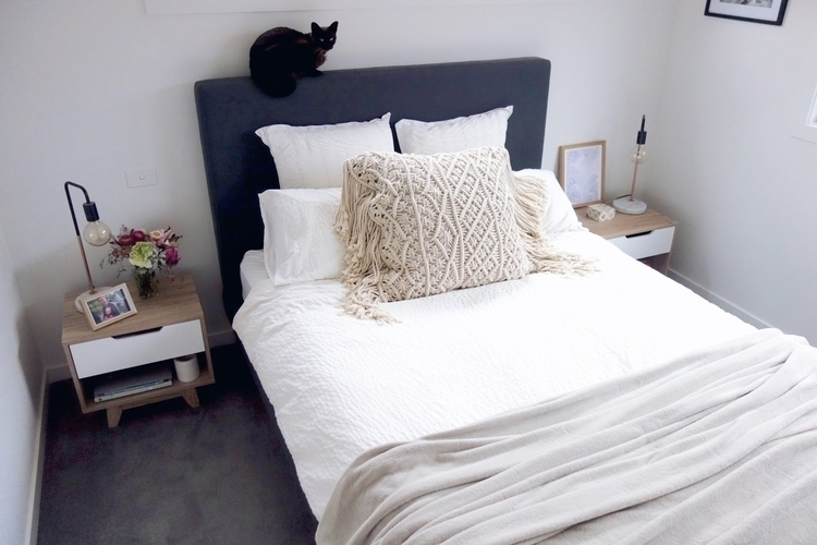 Current bedroom situation... st - hollyharris | ello