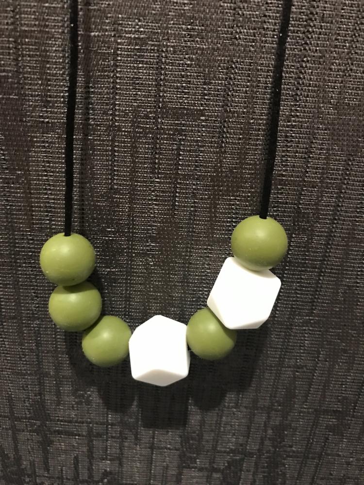 Khaki white necklace. fingers t - mylittlecharlie | ello