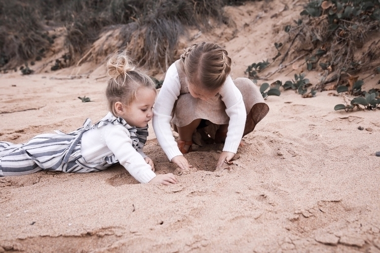 treasures - logan_aleeia_and_isla | ello