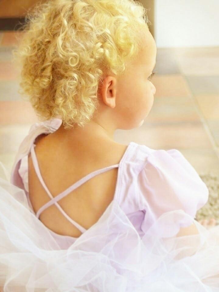 Ballerina - baertmarie | ello